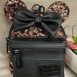 Minnie Mouse Sequined Wristlet - Belle Bronze